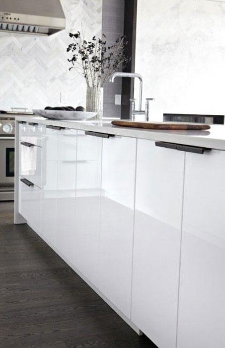 high glass cabinet - طراحی کابینت آشپزخانه