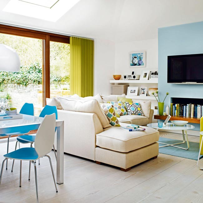Brigh  open plan livingroom - نکاتی در مورد دکوراسیون اتاق نشیمنِ دارای پلانِ باز